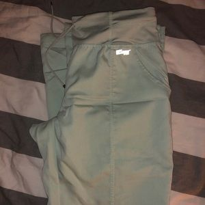 Greys anatomy scrub Pants size xs and mint color